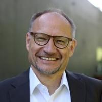 Hans-Ebinger-1.jpg